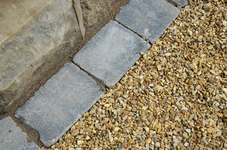 Gravel Driveway with Block Paving Boarder-1