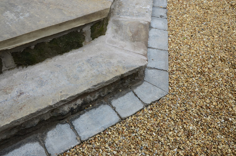 Gravel Driveway with Block Paving Boarder-2